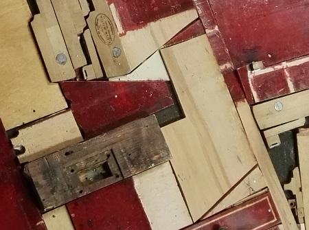 Composición basada en la naturaleza de la madera y su uso continuo dentro de las posibilidades de servicio.